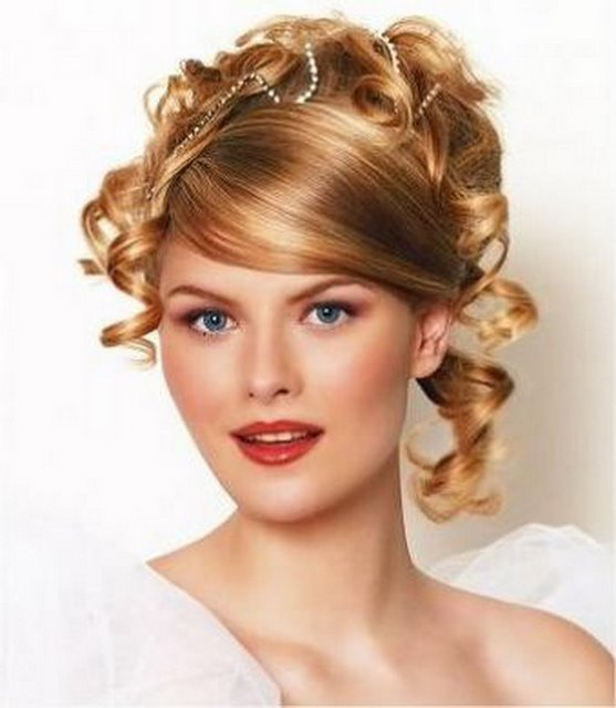 Stunning Curly Wedding Hair Style For Ladies